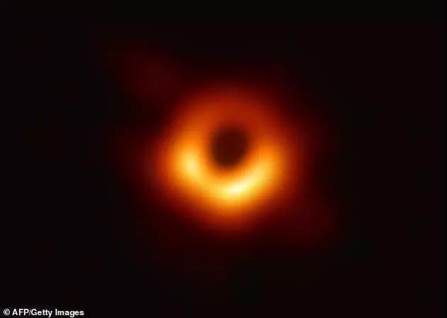 """""""霍金辐射""""理论是正确的!科学家创造微型黑洞证实"""