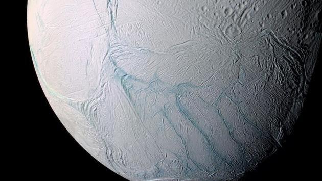 """宜居星球?土卫二地下海水或已""""保温""""数十亿年"""
