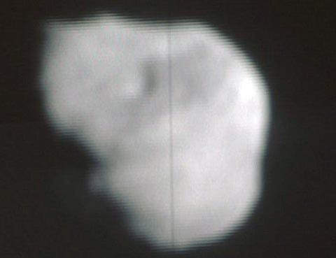 深度撞击顺利撞入坦普尔1号彗核