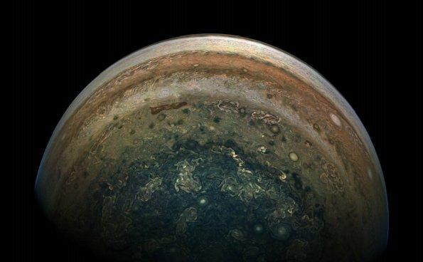 科学家如何在大红点的深处寻找木星上的水?