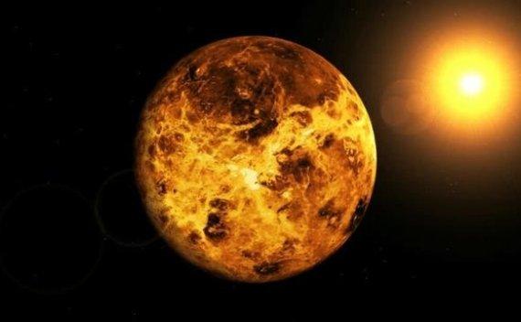 首次发现剥夺了大气层的气体行星核心