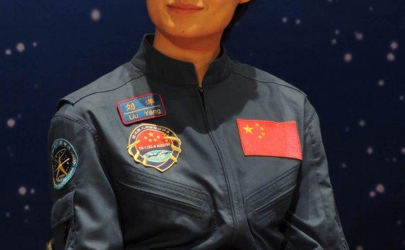 [航天史料]太空女英雄的10项世界纪录(选自天文爱好者2001年第二期)