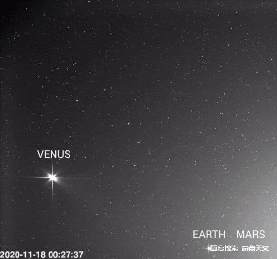 太阳轨道器拍摄的家庭照片,金星、地球和火星闪闪发光