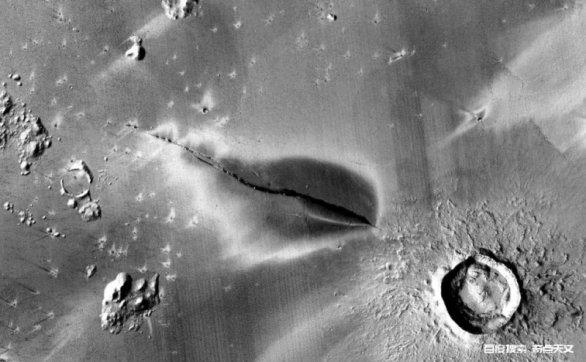 发现火星近期的火山喷发,显示火星仍有明显地质活动。