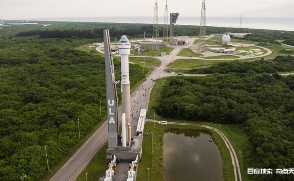 空间站为美国载人飞船和货运飞船准备设备