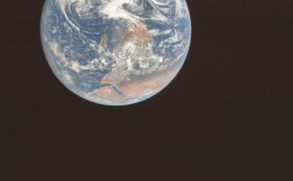 229.8亿公里外看地球是什麽样子?距离地球最远飞船的最后一张照片,让人类陷入沉思