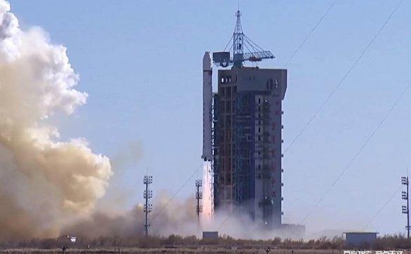中国一颗卫星在太空突然解体?是阴谋?还是太空垃圾?